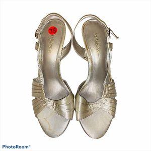 Liz Claiborne white ivory heels dress up 7.5
